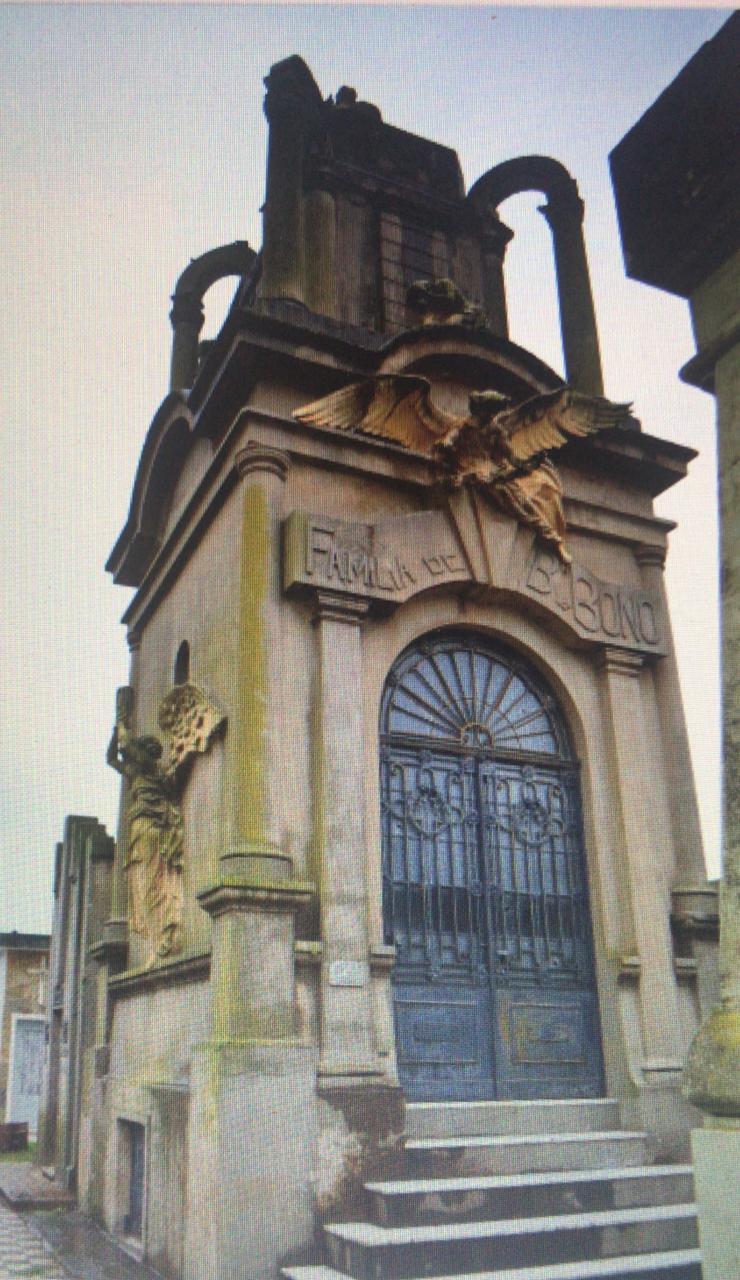 TAPA Mausoleo